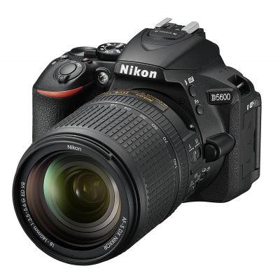 Fotocamera Nikon D5600 kit AF-S 18-140mm VR Nero