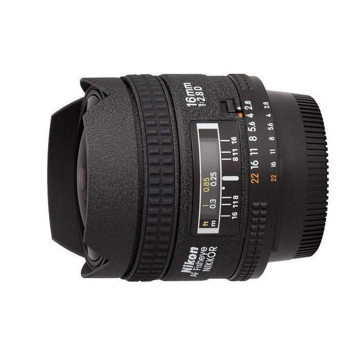 Obiettivo Nikon AF Fisheye-Nikkor 16mm f/2.8 D 16 mm