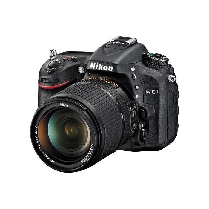 Fotocamera Nikon D7100 kit obiettivo 18-140mm VR 18-140